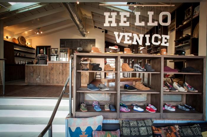 02-TOMS+AK+Store-Hello+Venice.jpg